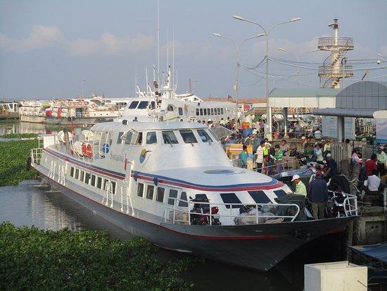 Photo prise par guythu-dudelta_ 22581_170417_Superdong I - Embarcadère de Rach Gia_VN