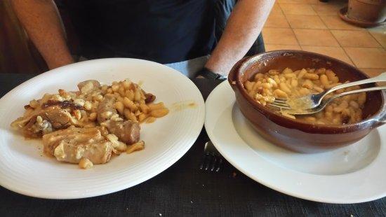 Castelnaudary, فرنسا: Le fameux cassoulet Tirou......
