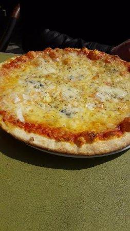 La Roche-en-Ardenne, België: Pizza fromages