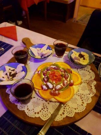 Carcare, Italy: dessert della casa assortiti
