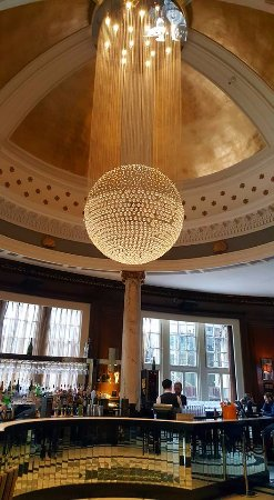 Grand Central Hotel: The Champagne Bar.