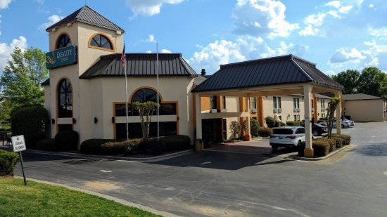 quality inn at carowinds prices motel reviews fort. Black Bedroom Furniture Sets. Home Design Ideas