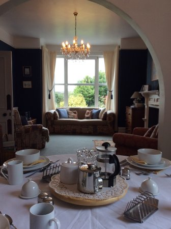 Moretonhampstead, UK: Breakfast in the guest lounge / dining room.