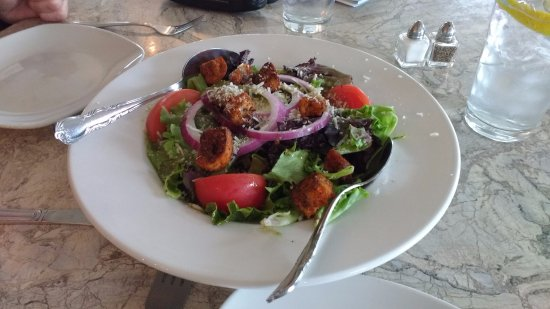 South Chatham, MA: Salad at The Talkative Pig