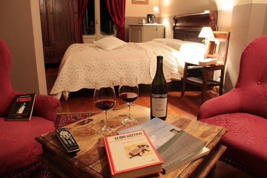 """B&B """"il MOLINO"""" Residenza Storica: Camera """" Le Macine """" - bagno privato, balcone con vista panoramica - B&B vicino ad Asti."""