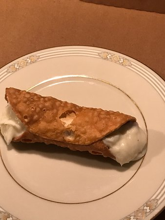 Seaford, DE: Pizza and Cannoli