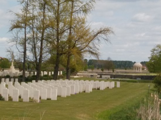Ypres, Bélgica: Bedford House Cemetery