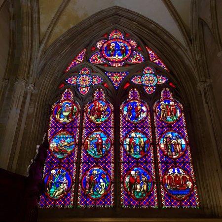 Notre Dame Cathedral: À ne pas rater : une Majestueuse cathédrale tant à l'extérieur que l'intérieur
