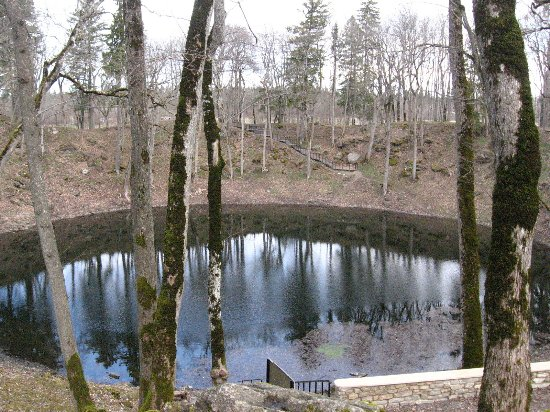 Saaremaa, Estland: crater lake