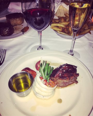 Photo of American Restaurant Keens Steakhouse at 72 W 36th St, New York, NY 10018, United States