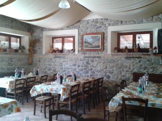 Pari, Italy: La sala da pranzo