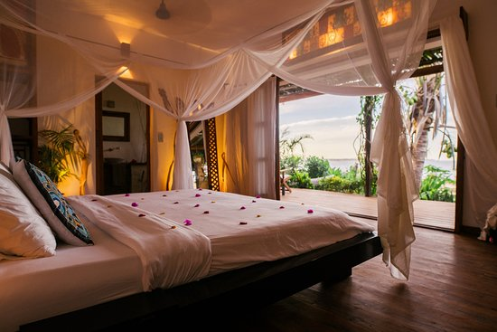 Baia Sonambula Guest House : View from your king size bed