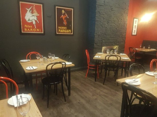 Warragul, Australia: Relaxed yet funky fit out is complemented with friendly staff