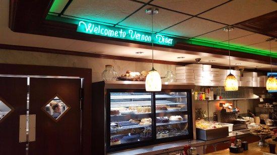 Vernon Rockville, CT: Neon Signage