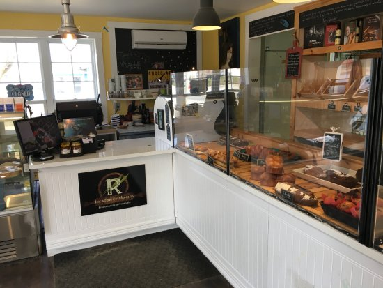 Stanstead, Canada : Lots of baked goods