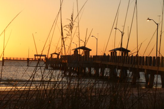 Fort De Soto Park: Sunset at The Pier - North Beach
