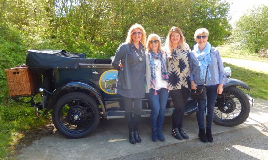 Winster, UK: 'Ladies that go driving'