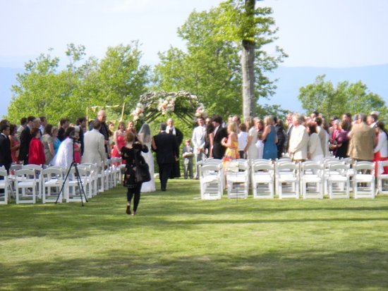 Beech Mountain, NC: Sunshine Wedding