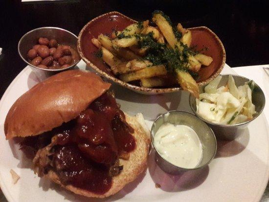 Hard Rock Cafe: Sanduíche de Costela desfiada com Barbecue
