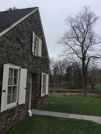 ไฮด์พาร์ก, นิวยอร์ก: Stone cottage