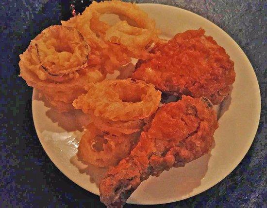 เปรู, อิลลินอยส์: Fried chicken with onion rings