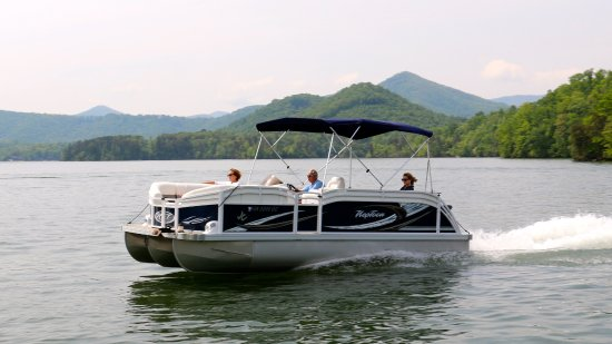 Our Deluxe Jc Tritoon Pontoon Boat Rentals Are A Perfect Way