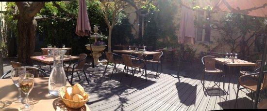 Le Platane: La terrasse