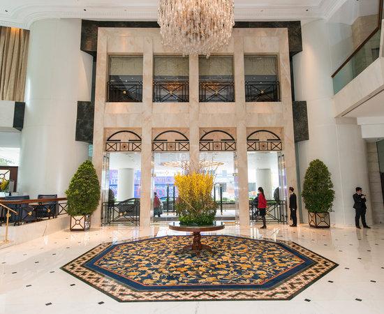 Lobby at the Island Shangri-La