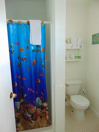 White Sands Inn: Bathroom