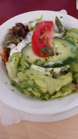 บาทเมอร์เกนไธม์, เยอรมนี: Salatbeilage mit Sahnedressing