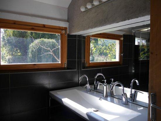 Sablet, Frankrig: Chambre Le Cabanon : salle de bain