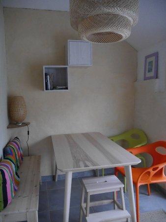 Sablet, Frankrijk: Chambre Le Cabanon : cuisine