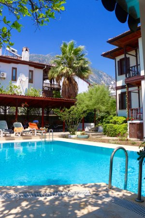 Holifera Hotel