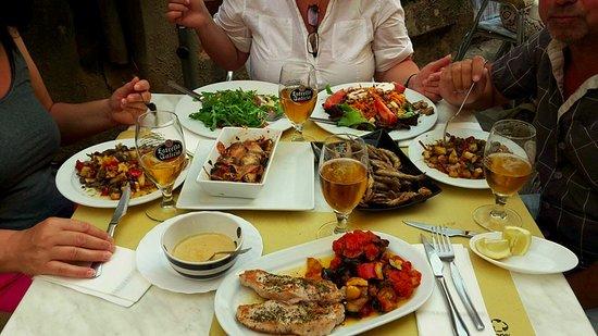 Estellencs, Spanyol: Super gute Tapas und gerne erfüllen Marco oder Maria Sonderwünsche !