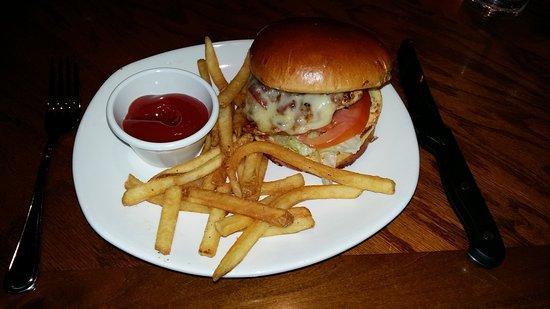 Daly City, Californien: Burger_large.jpg