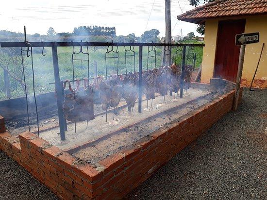 Salto, SP : Restaurante Na Fazenda