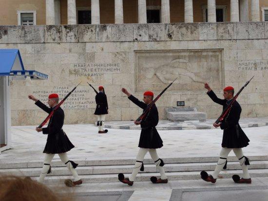 Platia Syntagmatos : Προεδρική φρουρά