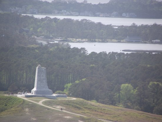 Manteo, NC: Where it all began: the Wright Memorial!