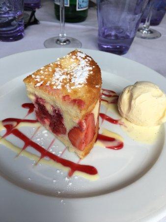 Restaurant Le Patio : Fraisier de chez Lac
