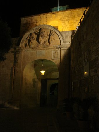 Excursion in Malta: Mdina Entrance from the back