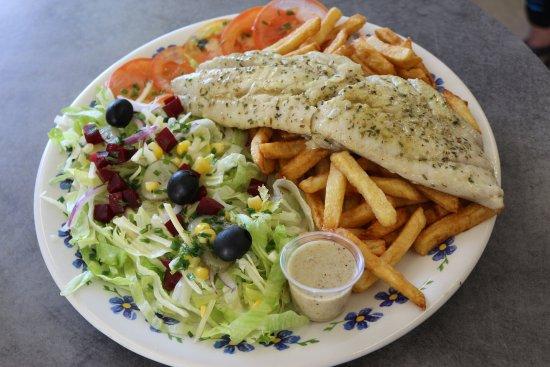 Lezignan-Corbieres, France: Dos de Lieu noir  accompagné de salade et frites