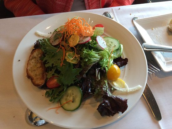 New Castle, Nueva Hampshire: Garden salad big enough to share