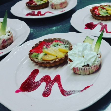 Borgo a Mozzano, Italy: Crostatine fatte in casa alla frutta