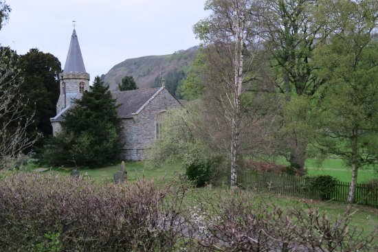 Llanarmon DC, UK: The church is a small walk from the West Arms