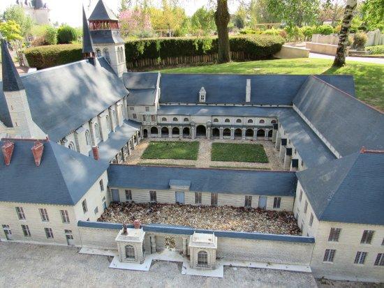 Parc des Mini-Chateaux: Abbaye de Fontevraud