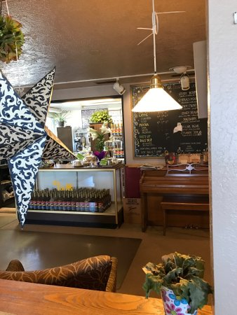 Green River, WY: This place is worth a visit! Great coffee, great food and wonderful service!! @ekrwholelifewelln