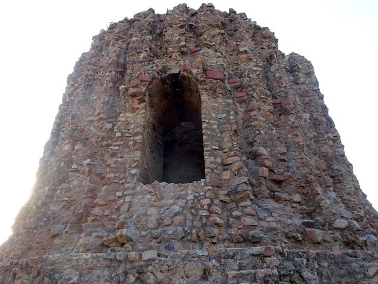 Alai Minar: Unfinished Tower Remains in Good Condition