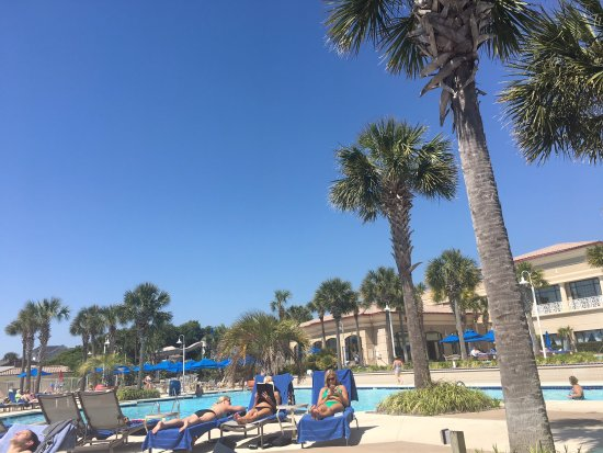 Myrtle Beach Marriott Resort & Spa at Grande Dunes: Pool area