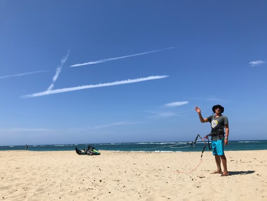 Cabarete, Dominik Cumhuriyeti: Andreas giving us a mind blowing lesson on kite control