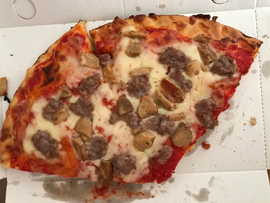 Merate, Italy: Sono dieci anni che andavo lì, evidentemente è cambiato qualche cosa nel modo di fare la pizza: